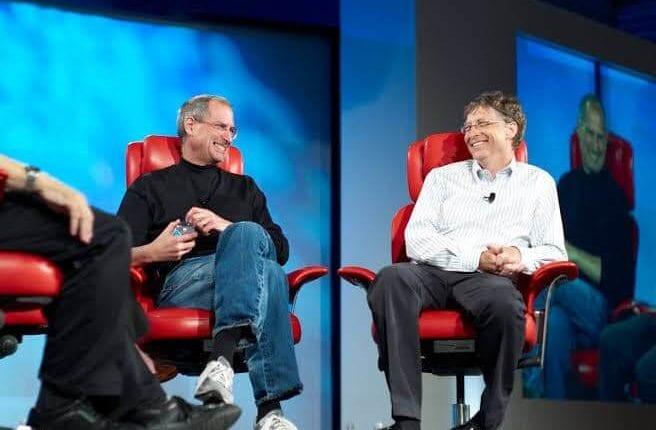 بيل جيتس يحسد ستيف جوبز على قدرته على الحديث أمام الجمهور