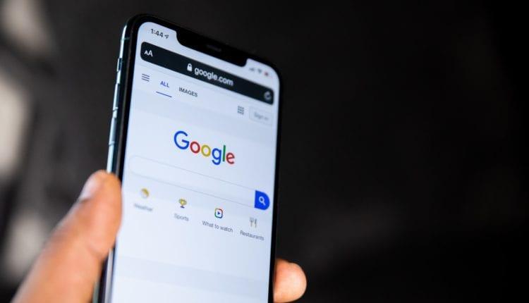 أبل قد تطلق محرك بحث لمنافسة جوجل