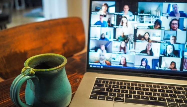كيف تؤثر مكالمات الفيديو على البيئة؟